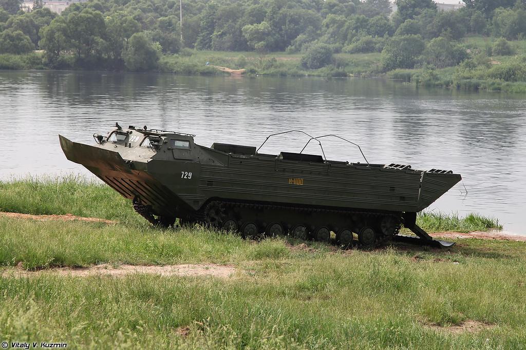 Плавающий транспортер ПТС-2 (PTS-2 tracked amphibious transport)