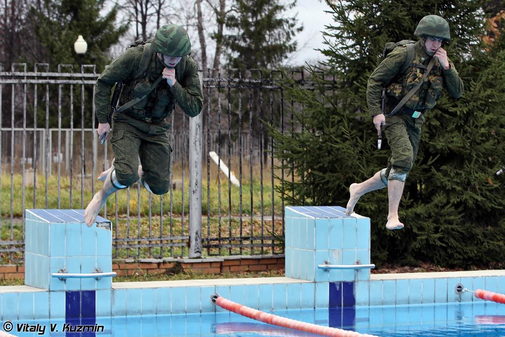 Отработка действий по преодолению водной преграды (Overcoming the water obstacle)