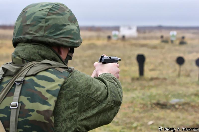 Демонстрация приемов одиночной стрельбы из ПМ (PM pistol shooting)