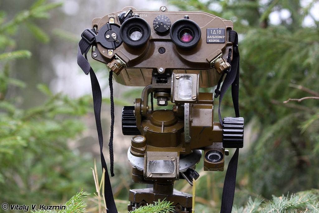 Лазерный бинокль-дальномер 1Д18 (лазерный прибор разведки ЛПР-2) (Laser field glass range-finder 1D18 also known as Laser reconnaissance device LPR-2)