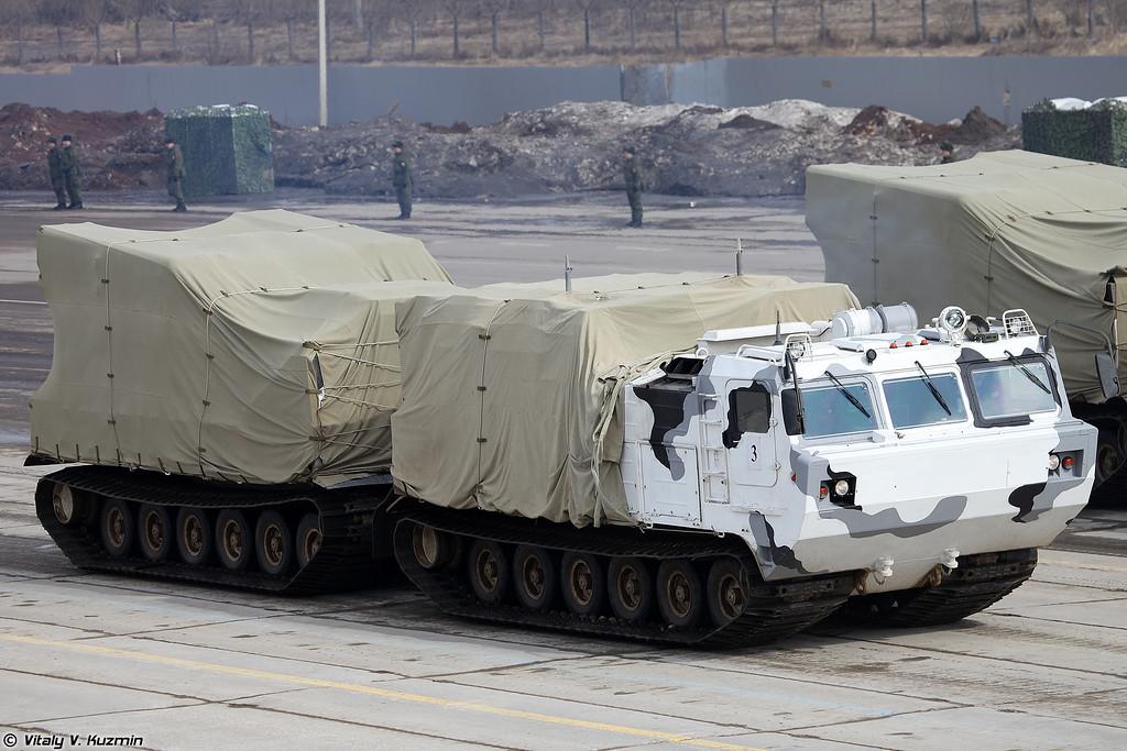 ЗРПК Панцирь-СА на базе двухзвенного гусеничного транспортера ДТ-30ПМ (Pantsir-SA air defence system on DT-30PM transporter chassis)