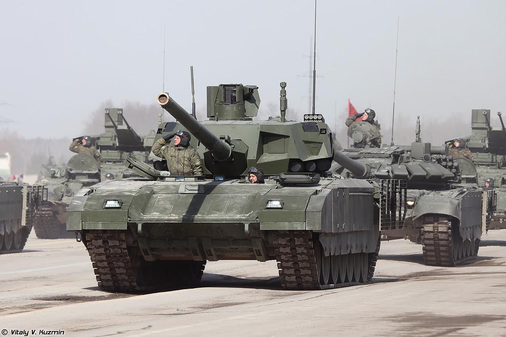 Танк Т-14 обÑÐµÐºÑ 148 на ÑÑжелой гÑÑениÑной ÑниÑиÑиÑованной плаÑÑоÑме ÐÑмаÑа (Main battle tank T-14 object 148 on heavy unified tracked platform Armata)