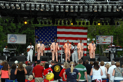 Rockin For The Troops - 2012 - Cantigny Park - Wheaton, Illinois - The Voices