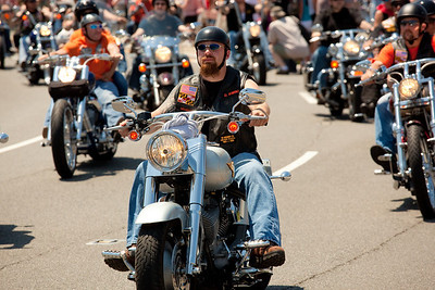 Rolling Thunder riding from Arlington toward the Lincoln Memorial. On the morning of May 30, 2010 on Memorial Day Weekend Thousands of motorcycles ride through Washington DC in an annual demonstration seeking to improve veteran benefits and resolve POW/MIA issues.  Rolling Thunder has evolved to be not only a demonstration for the POW/MIA issue but also a demonstration of patriotism and respect for soldiers and veterans from all wars. (Photo by Jeff Malet)