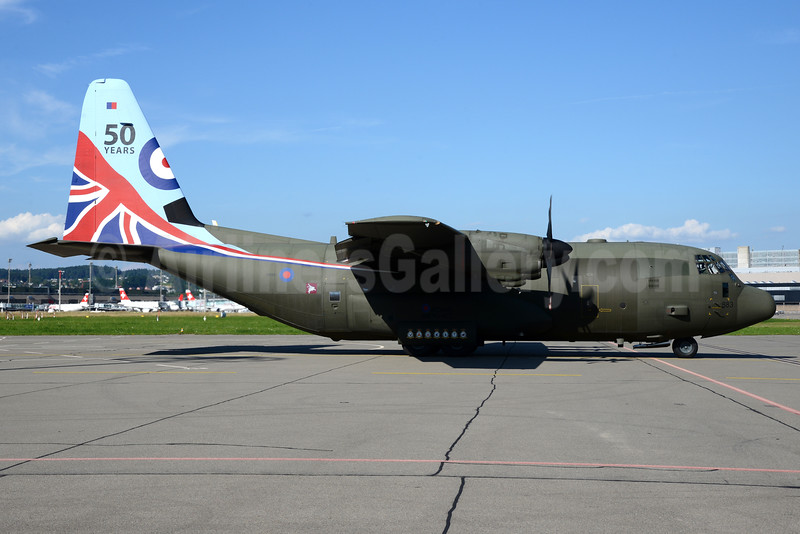 Royal Air Force (UK) Lockheed C-130J Hercules ZH883 (msn 5481) (50 Years) ZRH (Rolf Wallner). Image: 933854.