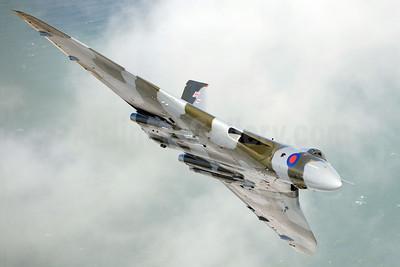 Royal Air Force Avro Vulcan B2 XH558 (msn SET12) near Dover (Robbie Shaw). Image: 933470.