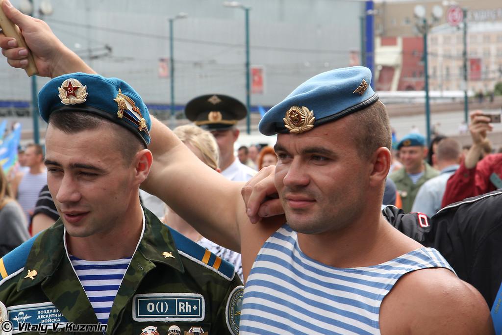 Десантники (Paratroopers)