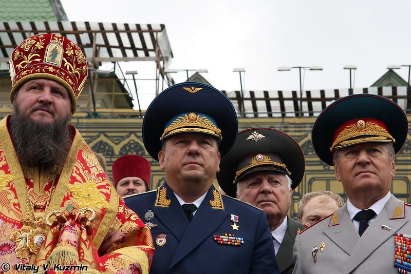 Командующий ВДВ Владимир Шаманов (VDV Commander-in-chief Vladimir Shamanov)