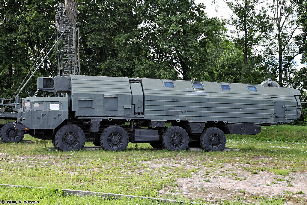 Машина обеспечения боевого дежурства 15В148 (Combat duty support vehicle 15V148 for Topol ICBM)