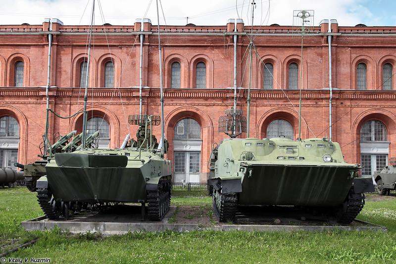 Командно-штабные машины БМД-1КШ и БТР-50ПУ (BMD-1KSh and BTR-50PU command vehicles)