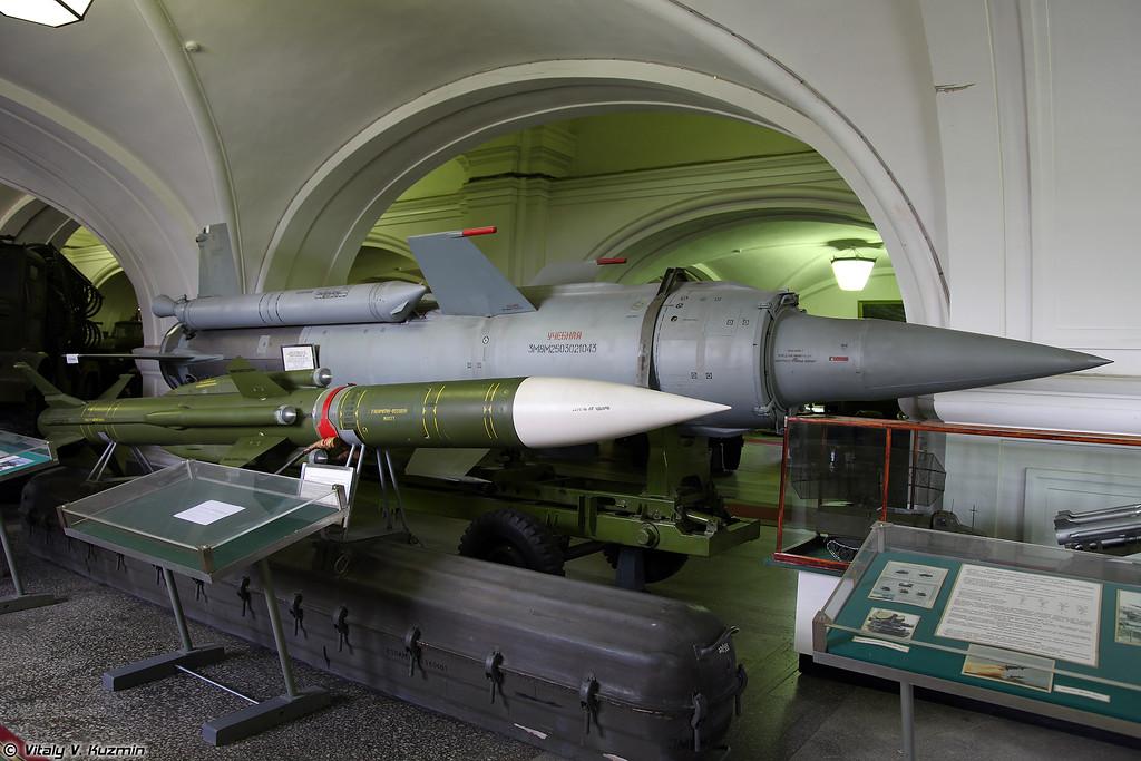 Зенитные управляемые ракеты 3М8 ЗРК 2К11 Круг и 3М9 ЗРК 2К12 Куб (SAM 3M8 for 2K11 Krug and 3M9 for 2K12 Kub system)