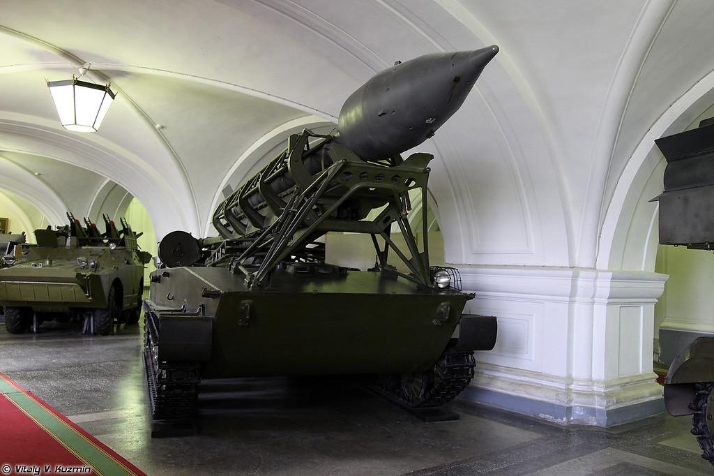 Пусковая установка 2П2 с ракетой 3Р1 тактического ракетного комплекса 2К1 Марс (2P2 TEL for 2K1 Mars tactical missile system)