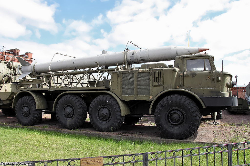 Транспортная машина 9Т29 ракетного комплекса 9К52 Луна-М (9T29 missile transporter for 9K52 Luna-M missile system)