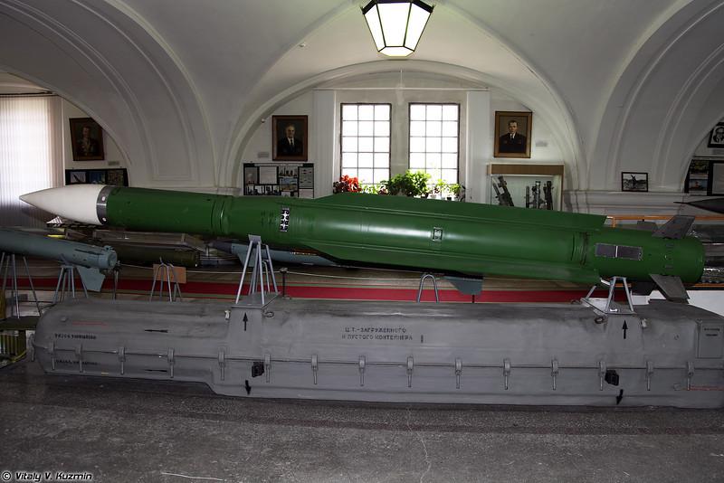 Зенитная управляемая ракета 9М38 ЗРК 9К37 Бук (9M38 SAM for 9K37 Buk system)