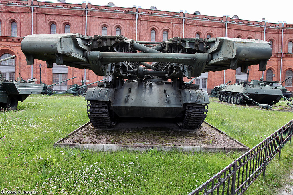 Танковый мостоукладчик МТУ (MTU bridgelayer)