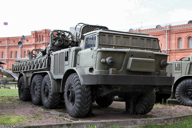 ТЗМ 9Т452 РСЗО 9К57 Ураган (9T452 transporter-loader for 9K57 Uragan MLRS)