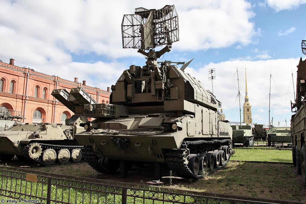 Боевая машина 9А330 ЗРК 9К330 Тор (9A330 combat vehicle 9K330 Tor)