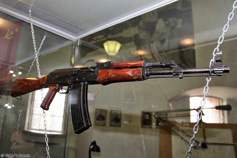 5,6-мм опытный образец автомата 1965-1970 гг. (5.6mm assault rifle prototype 1965-1970)