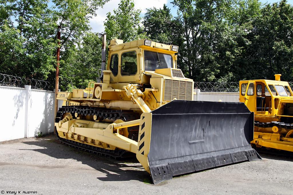 Тяжелый промышленный трактор Т-330 (T-330 heavy tractor)