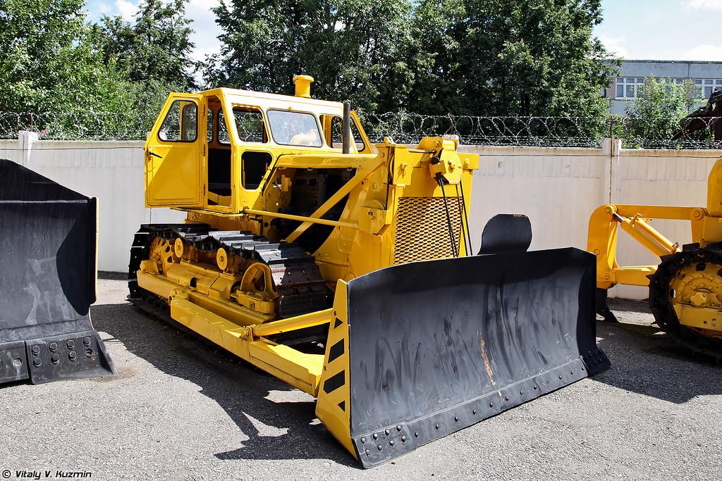 Промышленный трактор Т-100 (T-100 tractor)