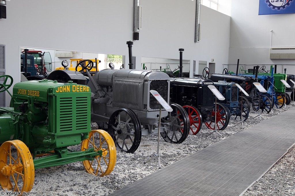 Коллекция тракторов (Tractor collection)