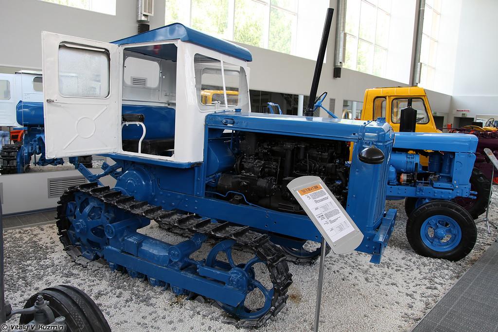 Универсальный пропашной гусеничный трактор Т-38 (T-38 tractor)