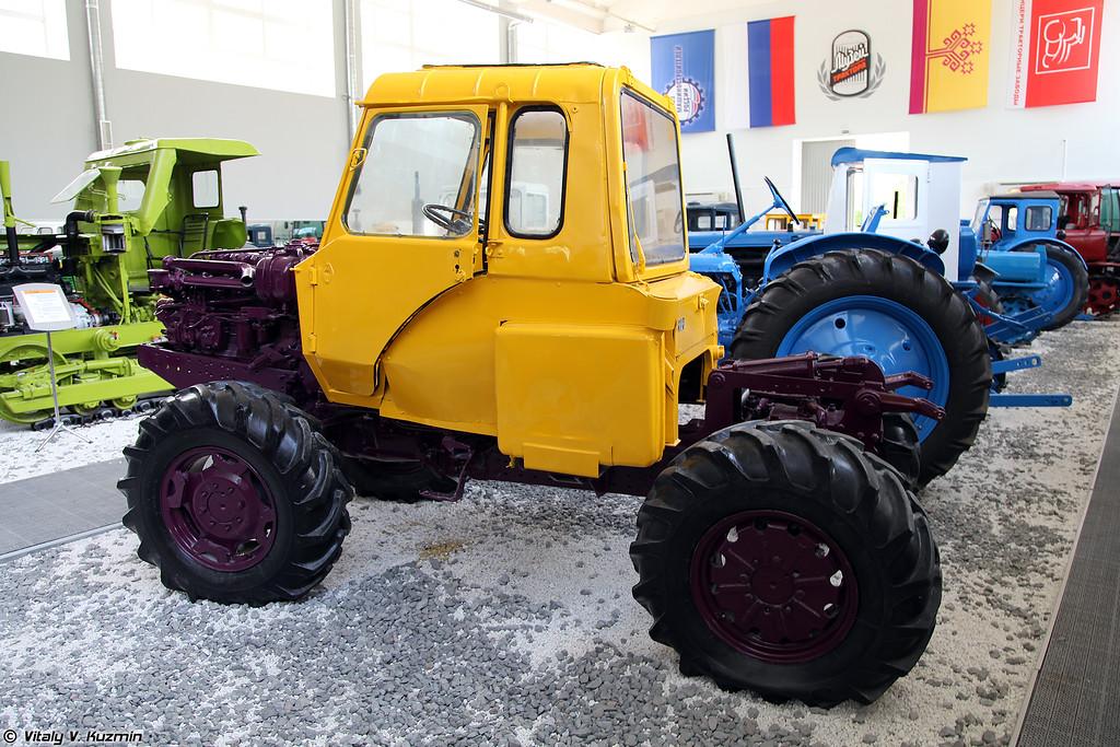 Опытный образец трактора Т-5 (T-5 prototype)