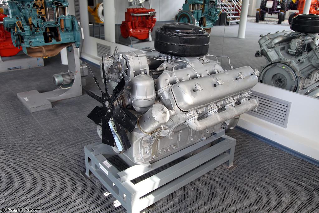 Двигатель ЯМЗ-238 (YaMZ-238 engine)