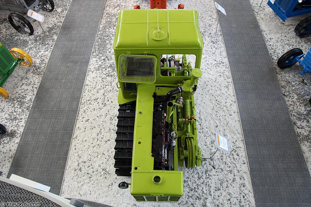 Гусеничный трактор Т-4А Алтай (T-4A Altay tractor)