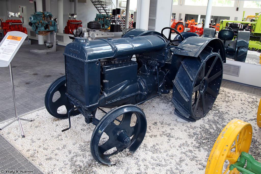 Трактор Фордзон-Путиловец - лицензионная копия трактора Fordson-F (Fordson-Putilovets licensed copy of Fordson-F tractor)