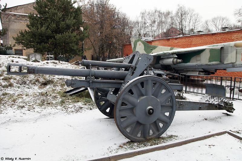 105-мм лёгкая полевая гаубица leFH18 (10.5 cm leFH 18 howitzer)