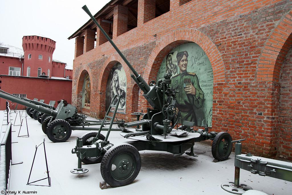 37-мм автоматическая зенитная пушка образца 1939 года 61-К (37mm automatic air defense gun M1939 61-K)