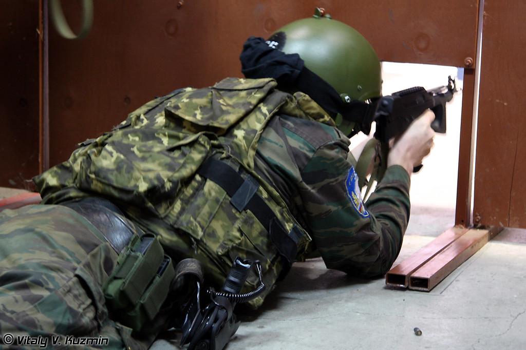 Стрельба из ПП-2000 (Shooting with PP-2000)