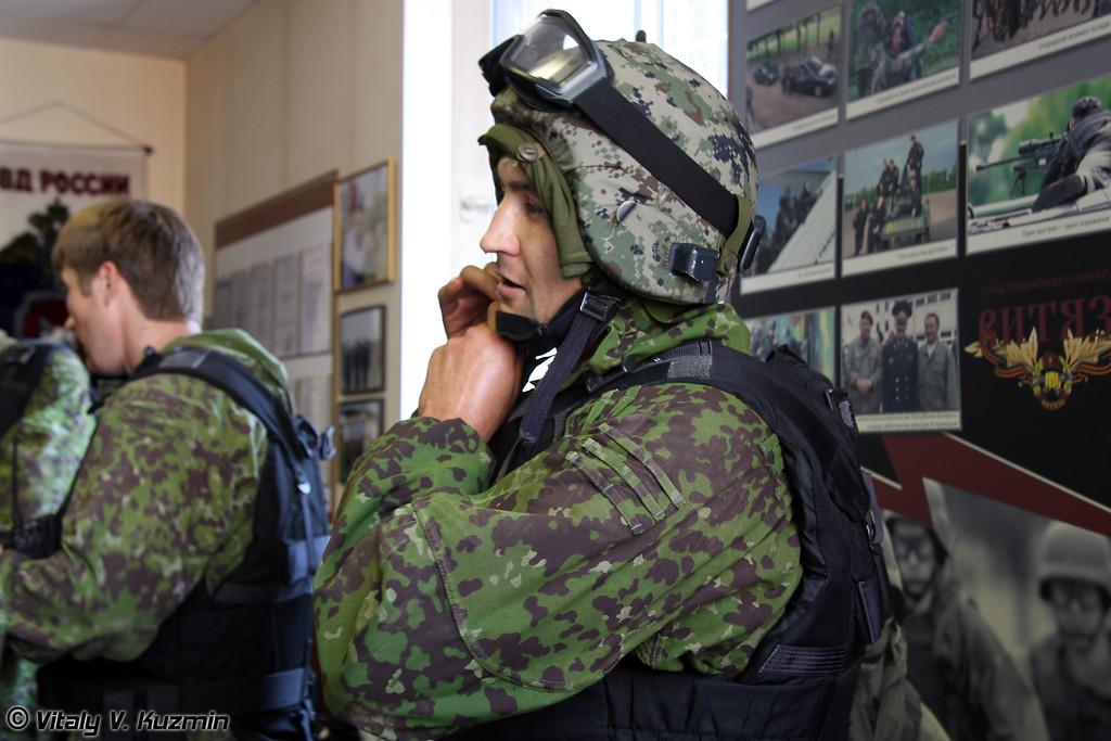Вторая команда СОБР Рысь в результате жеребьевки выступала сразу за первой (SOBR Ris' second teams prepares for shooting exercises)