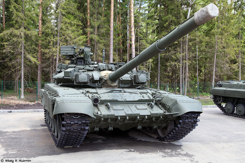 Танк Т-90 обр. 1992 (T-90 mod. 1992 main battle tank)
