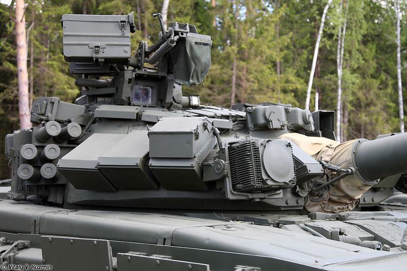 Танк Т-90 обр. 1992 (T-90 mod. 1992 main battle tank)