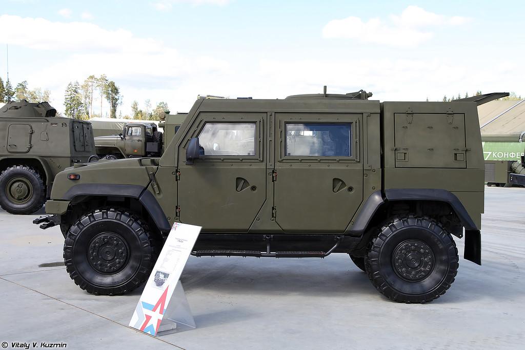 Автомобиль защищенный Рысь (IVECO 65E19WM)