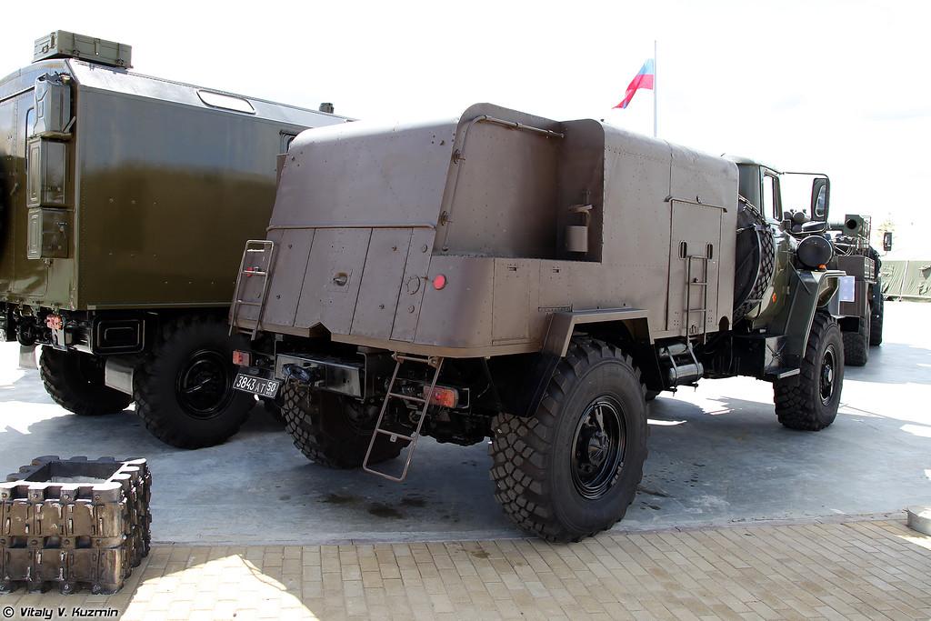 Машина дымовая ТДА-2У (TDA-2U smoke vehicle)