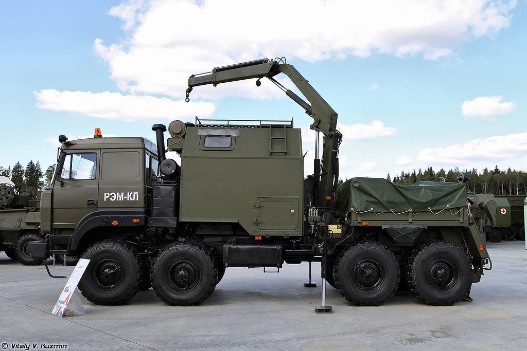 Ремонтно-эвакуационная машина колесная легкая РЭМ-КЛ (REM-KL light wheeled recovery and repair vehicle)