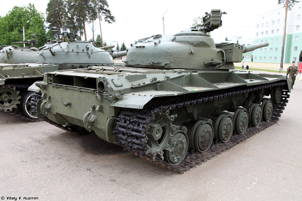 Т-64 (T-64 tank)