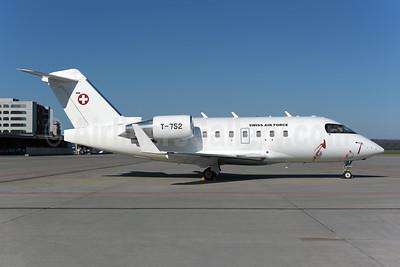 Swiss Air Force Canadair CL-600-2B16 Challenger 604 T-752 (msn 5540) ZRH (Rolf Wallner). Image: 953412.