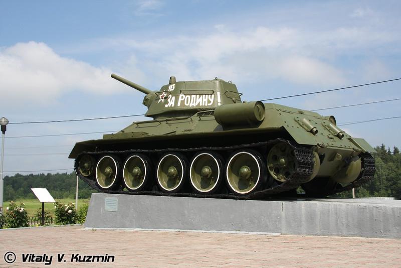 Т-34-76 (T-34-76 tank)