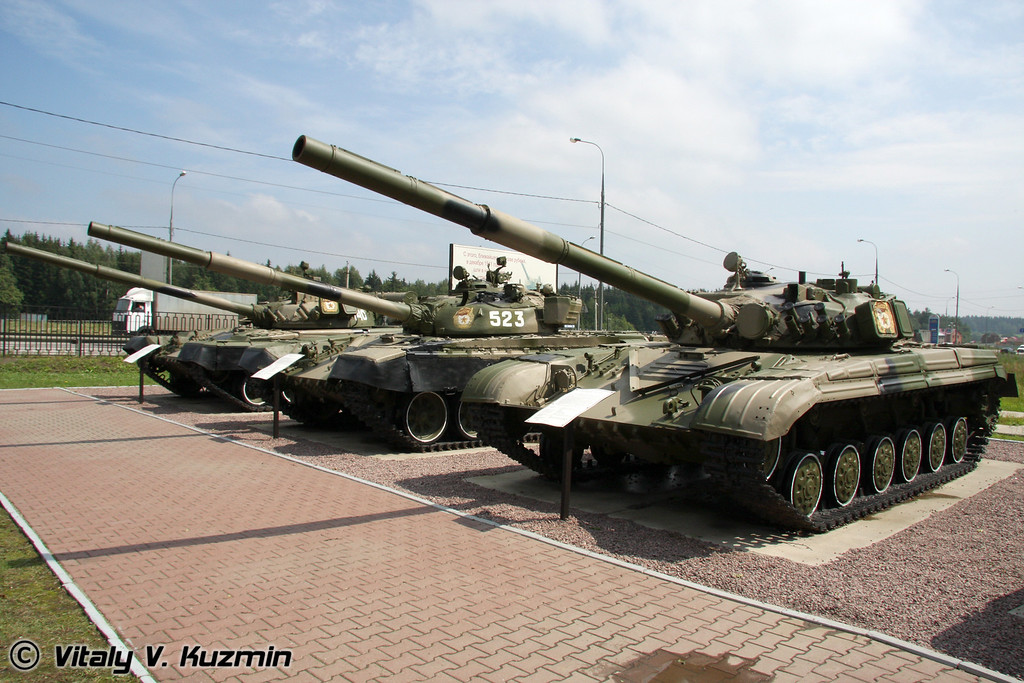 Т-80Б, Т-72А, Т-64АК (T-80B, T-72A and T-64AK tanks)