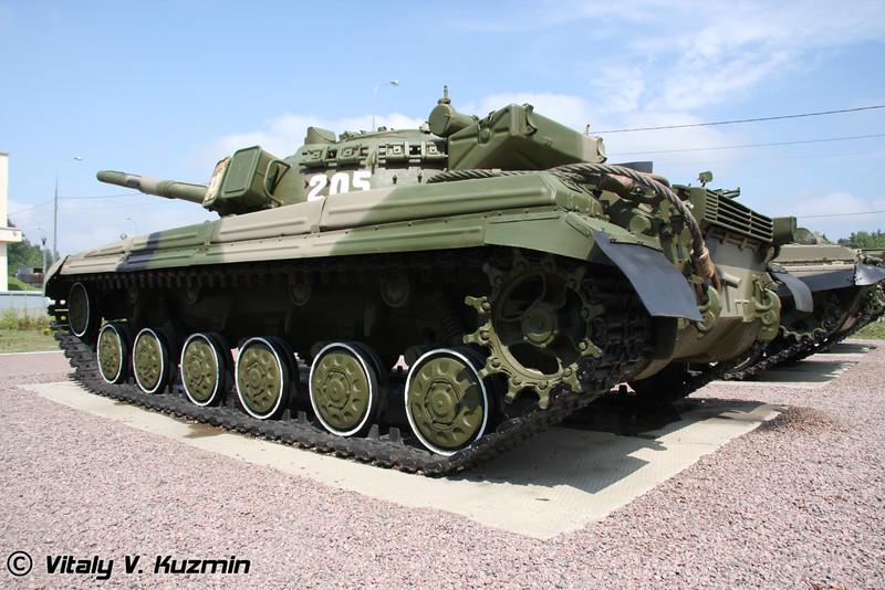 Т-64АК (T-64AK tank)