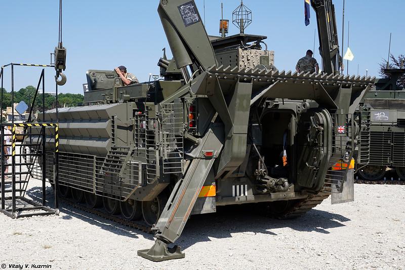 Бронированная ремотно-эвакуационная машина FV513 Warrior (FV513 Warrior MRV)