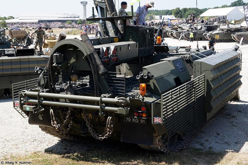 Бронированная ремонтно-эвакуационная машина CRARRV (Challenger Armoured Repair and Recovery Vehicle CRARRV)