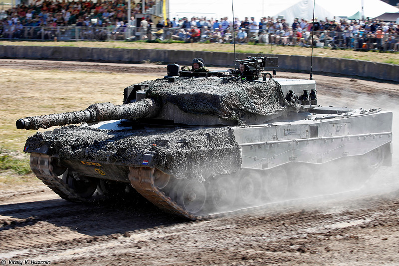 Танк Леопард 2А4 (Leopard 2A4 main battle tank)