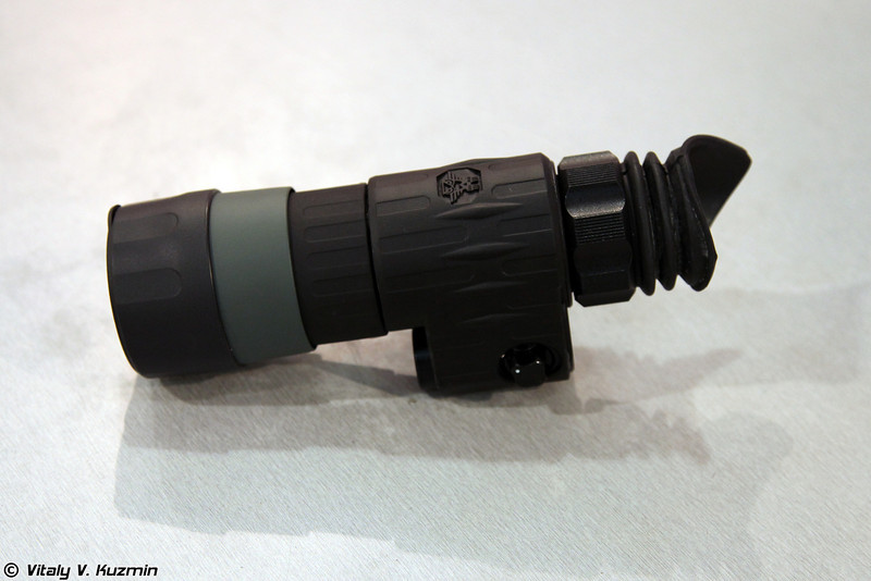 Прибор ночного видения СП-303 серии Контур (SP-303 Kontur night vision device)