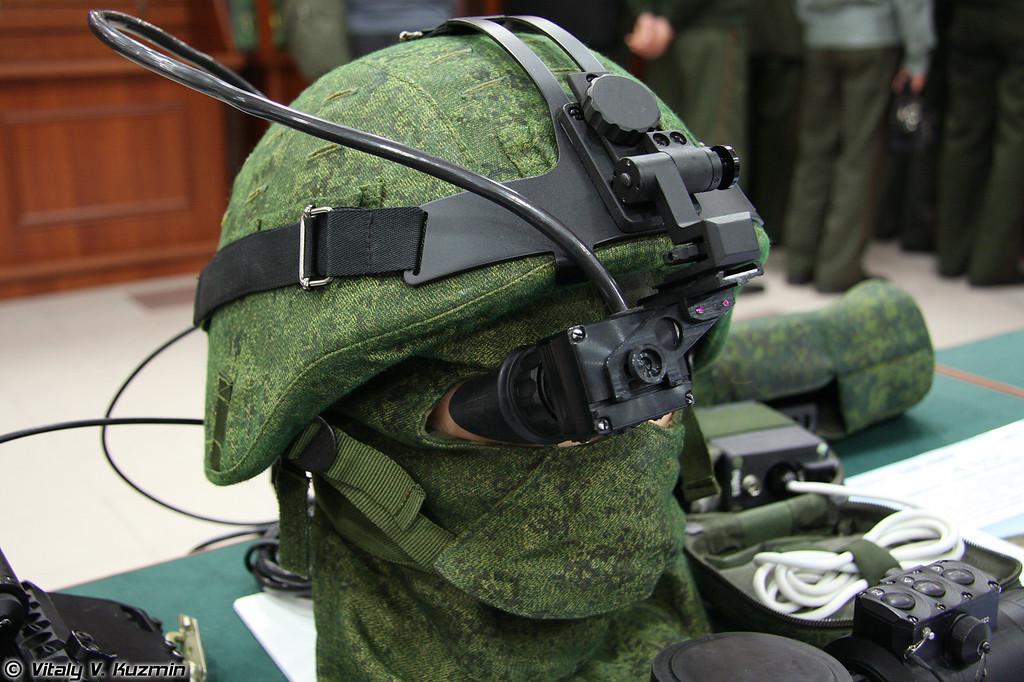 Нашлемный минимонитор без названия от ЦНИИ Циклон (Helmet monitor without the name from Cyclone company)