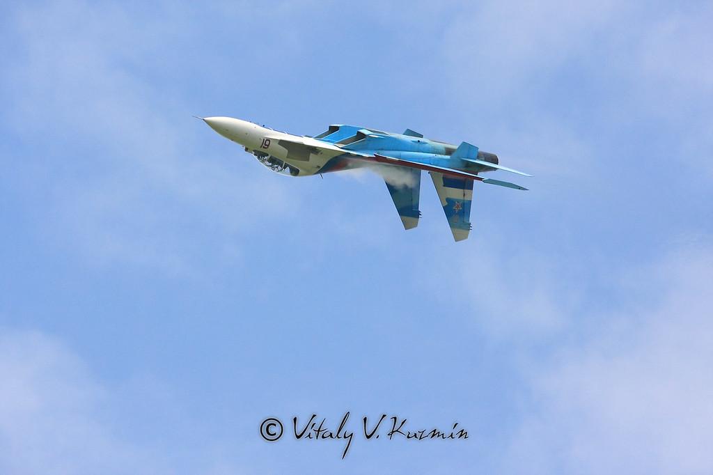 Пилотаж Су-27УБ пилотажной группы Соколы России (Su-27UB from Falcons of Russia aerobatics team)